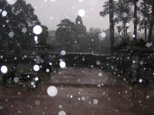 Bayón bajo la lluvia. Foto A. Rodas