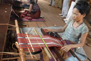 krama-weaving-300x203
